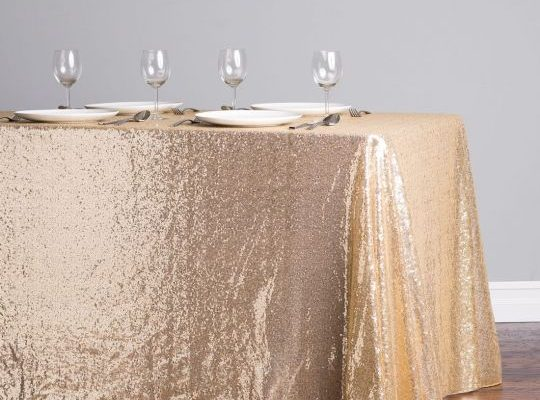 Tablecloths and napkins.
